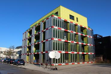 : Im BIQ Algenhaus in Hamburg soll das Verfahren von Sherif Elsayed und Nikolaos Boukis angewendet werden (Bild: Sherif Elsayed/KIT).